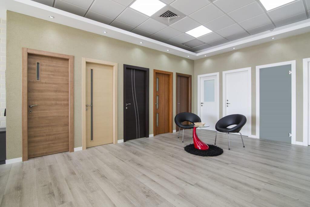 דלתות פנים בצבעים שונים לבית או למשרד