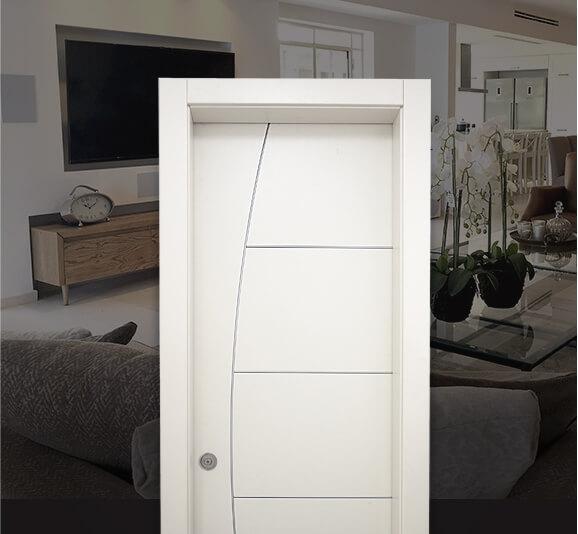 דלתות הזזה מעוצבות בצבע לבן