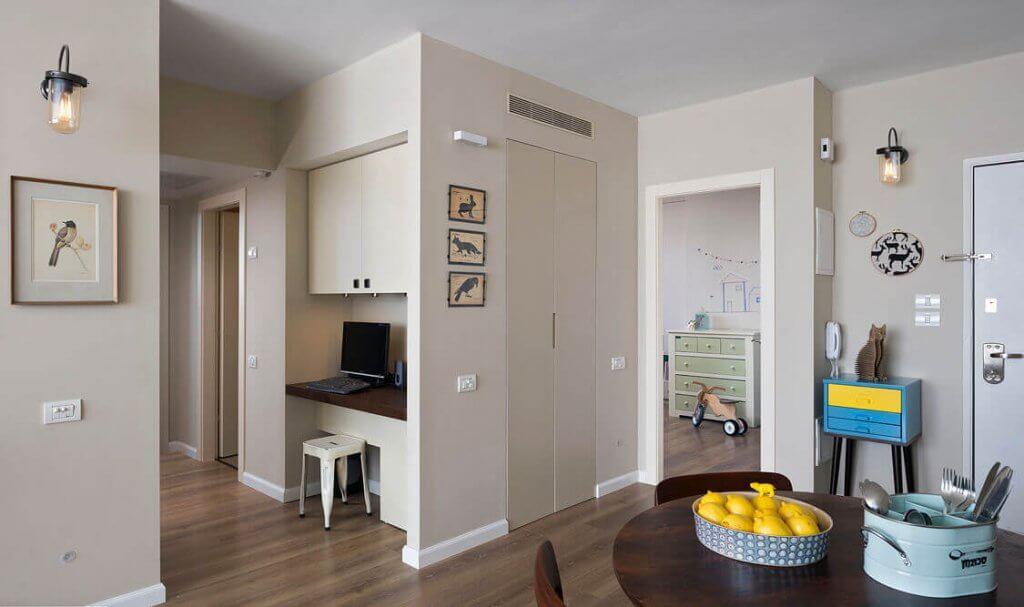 עיצוב מודרני עם דלתות פנים בעיצוב קלאסי