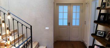 דלתות כניסה לבנות לבית