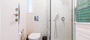 דלת פנים לשירותים